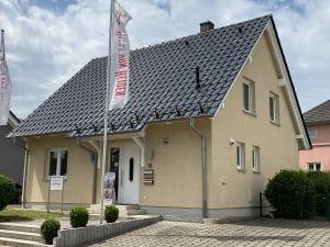 Heinz von Heiden - Musterhaus - Niederdorfelden